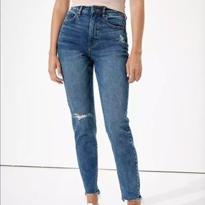 AMERICAN EAGLE Highest Rise Mom Jeans Distressed